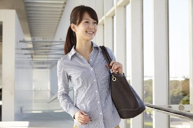 女子必見!職場でさり気なく差をつけるバッグの選ぶコツ