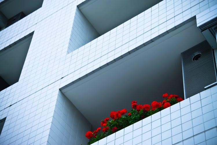 女性の一人暮らしで押さえておきたいマンションの防犯対策
