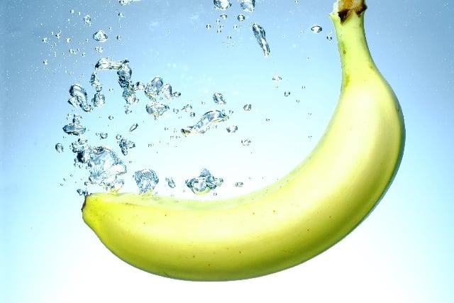 野菜ジュースでは野菜不足!?おやつにバナナが良い理由