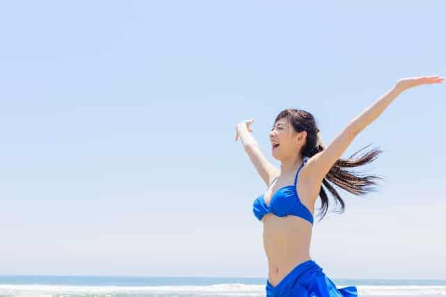 夏を楽しめ!小胸さんや大胸さん両方着られる水着5選